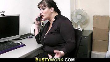 امرأة سمراء الدهون امرأة كبيرة الثدي ولم يسبق له مثيل