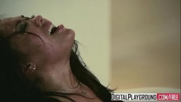 تستقبل ديكها في فمها لفترة طويلة في عدة أوضاع حتى يفرغه الرجل